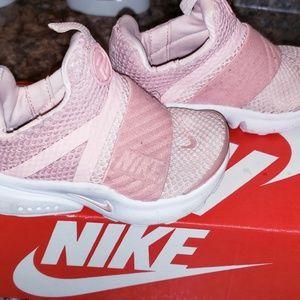 Toddler size 6 girls Nike Presto shoes Blush pink